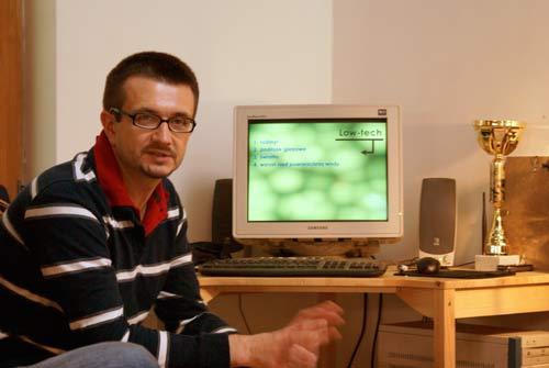 Kompetentny uczestnik dyskusji o akwarium  low-tech dr Dominik Tomaszewski.